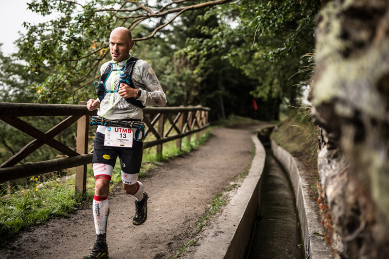 Compressport R2 Oxygen kompressziós szár